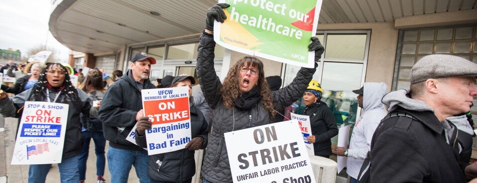 Striking Stop & Shop Workers Rally Before Biden Appearance (1)