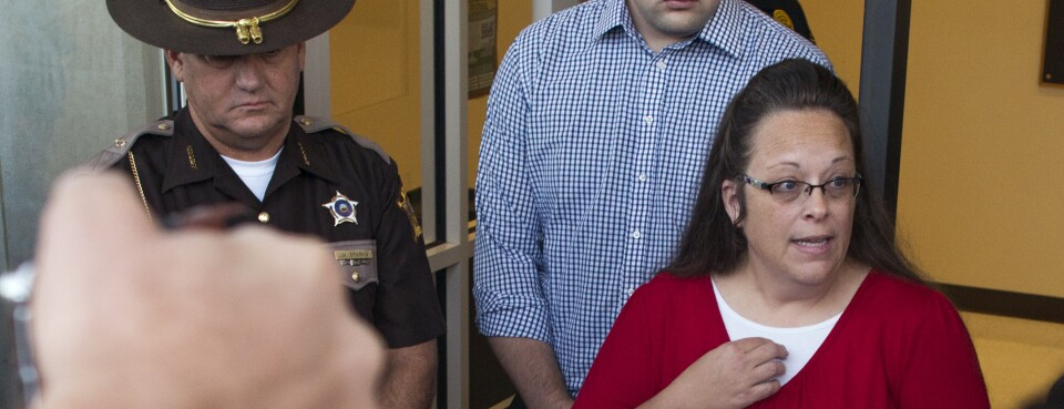 Ex-Kentucky Clerk Must Defend Same-Sex Couples' Marriage Suits