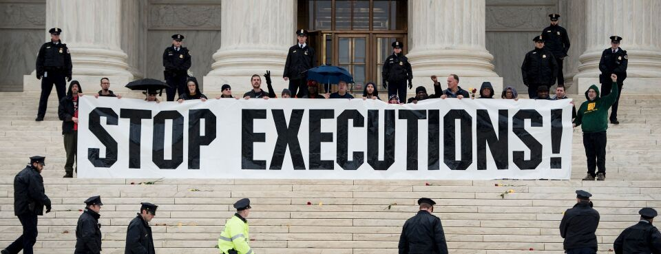 Supreme Court Faces New Appeal Over Clergy at Executions