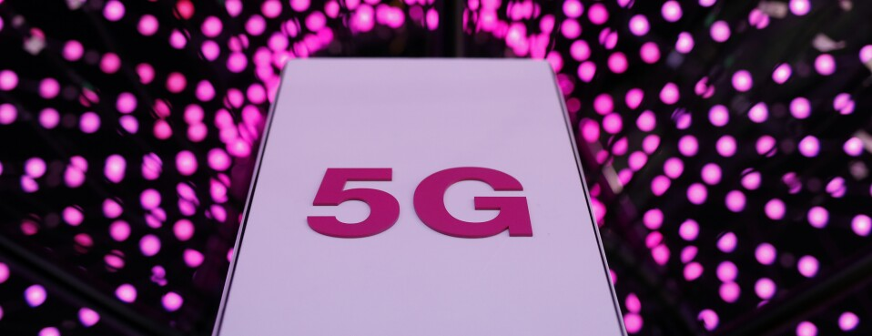 FCC Faces Tough Call on Airwaves Crucial to 5G
