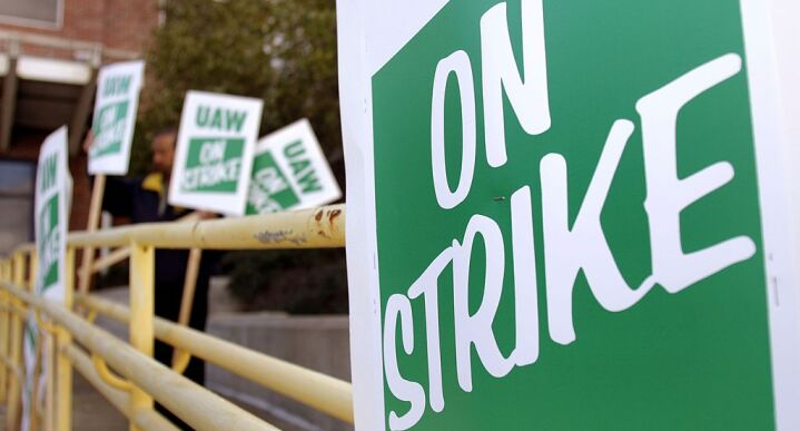 UAW on strike sign