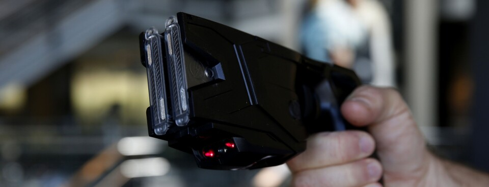 Photo of a Taser X2 electronic weapon.