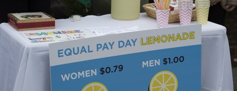 States Look to Remedy Pay Gap as Federal Legislation Stalls (1)