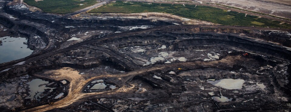 Petroleum Product From Oil Sands Sinks After Spills, Study Finds