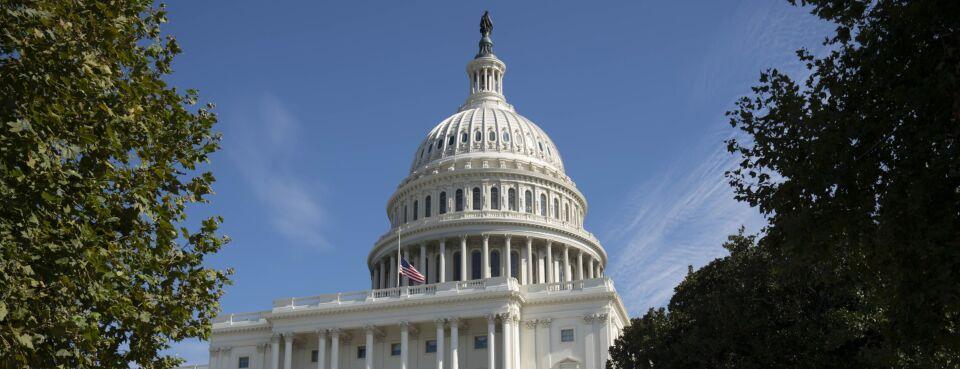 Democrats Draw Up Billionaire-Tax Plan as Corporate Hike Fades