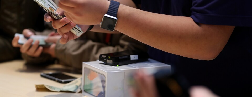 Apple Case Shows Federal-State Split on Security Screening Pay