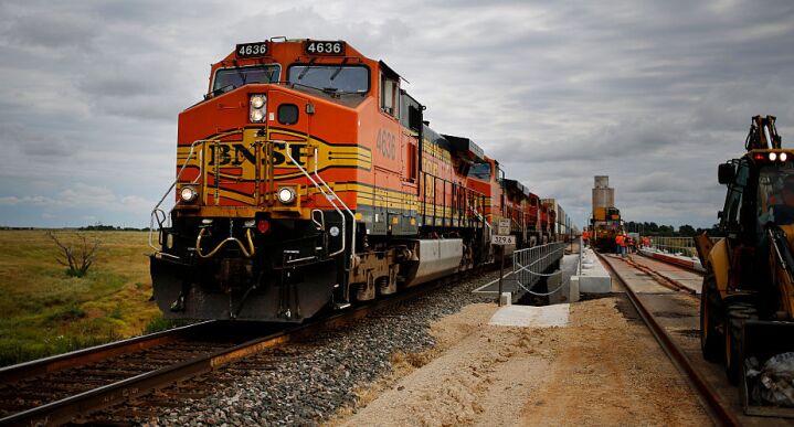 BNSF train (used 8/29/18)