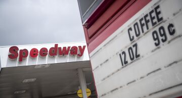 Photo of a Speedway gas station in Chicago.
