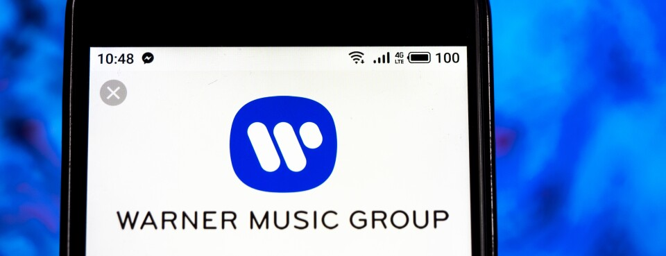 Warner Music Can't Keep Artists' Class Action in Federal Court